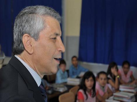 وزارة التربية تلغي قرار  منع الدروس الخصوصية Baba_ahmed